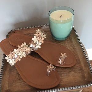 Candies Gold Flower Detailed Sandals